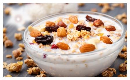 Сухофрукты в йогурте
