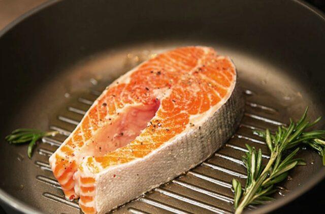 Готовим лосось: жарим, запекаем, варим или съедаем сырым