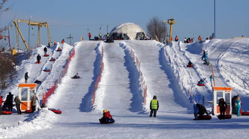 Обучение маленьких детей горным лыжам