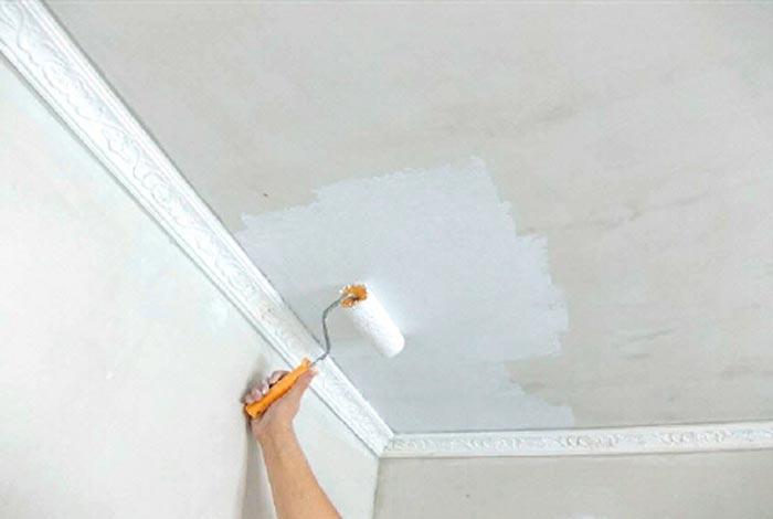 Как побелить потолок и стены