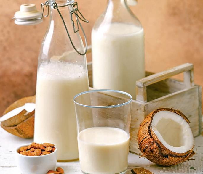 Какое бывает растительное молоко: польза и вред