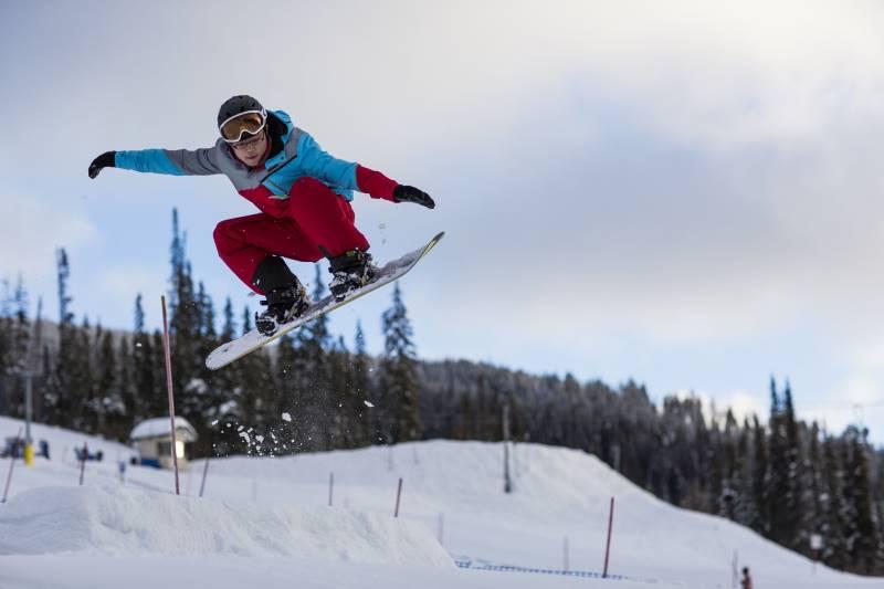 Где отдохнуть зимой в Москве: горнолыжные трассы на Воробьевых горах
