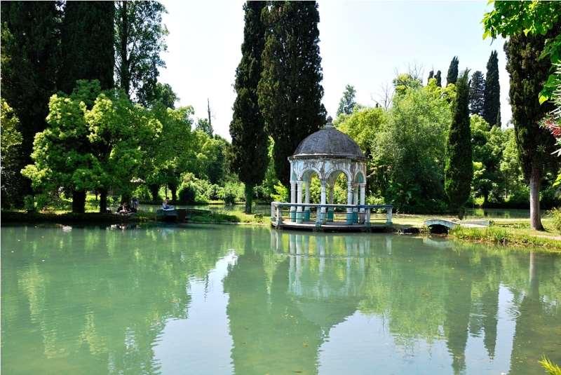 Новый Афон: центр города, Приморский парк, окрестности