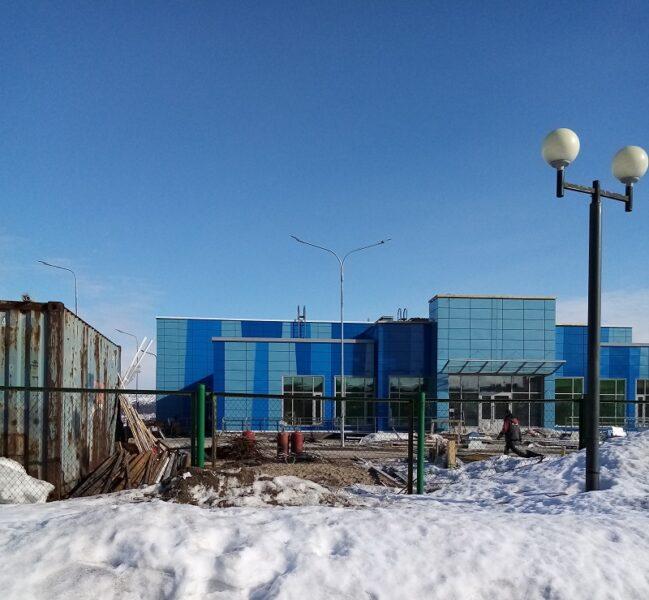 Завершение стройки бассейна в городе Кола идёт полным ходом