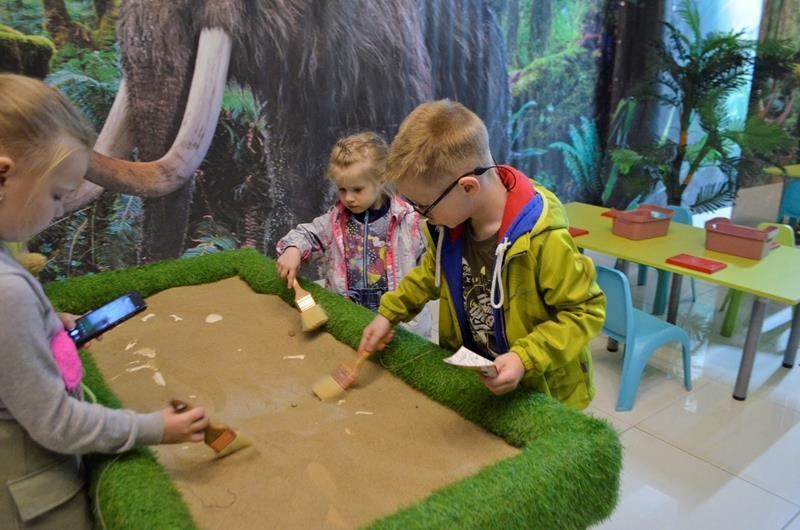 Археологи дети